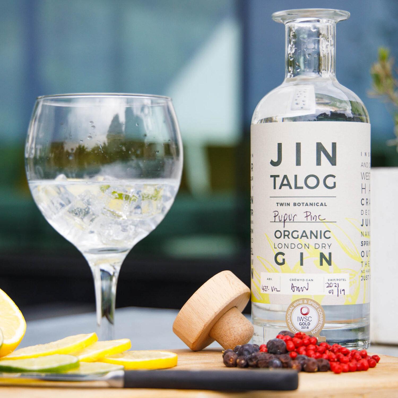 Pupur pinc and juniper organic gin