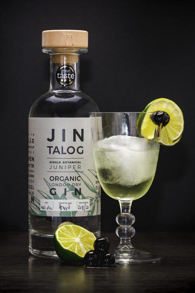 Jin Talog The Gimlet Gin Cocktail